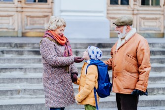 Darf ich meine Enkelkinder von der Schule abholen?