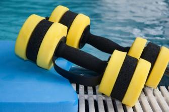 Wassergymnastik Übungen Hilfsmittel