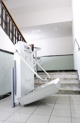 Manutenzione e assistenza sui montascale per disabili